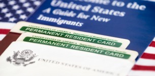 Mesa AZ | What Is the Difference Between a Visa and a Green Card?